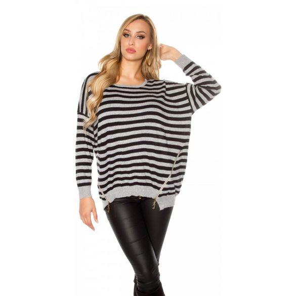 Szürke csíkos női kötött pulóver