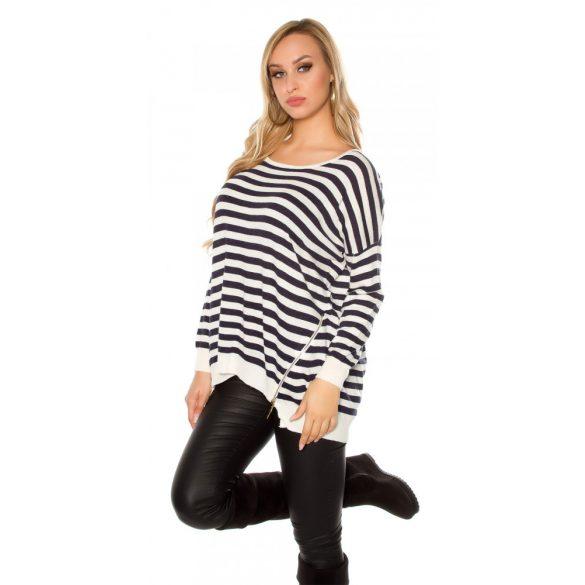Fehér csíkos női kötött pulóver